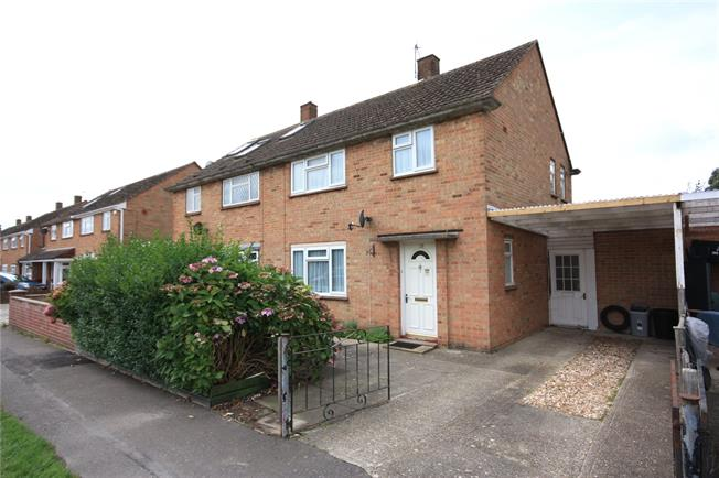 Guide Price £289,950, 3 Bedroom Semi Detached House For Sale in Chichester, PO19