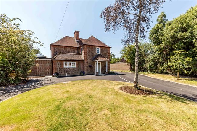 Offers in excess of £550,000, 3 Bedroom Detached House For Sale in Barnham, PO22