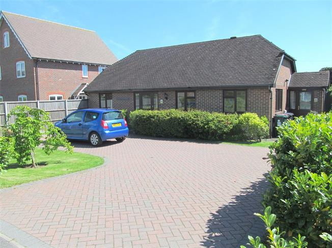 Guide Price £360,000, 2 Bedroom Bungalow For Sale in Chichester, West Sussex, PO18