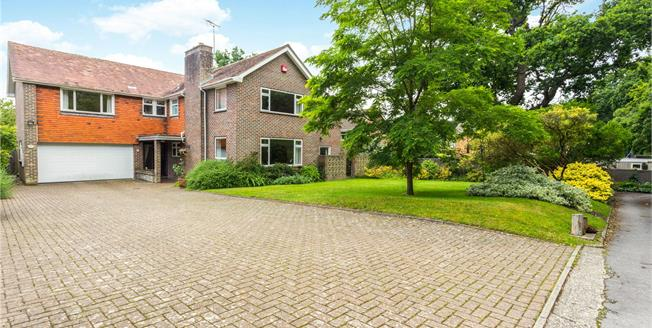Asking Price £1,200,000, 6 Bedroom Detached House For Sale in West Sussex, PO19