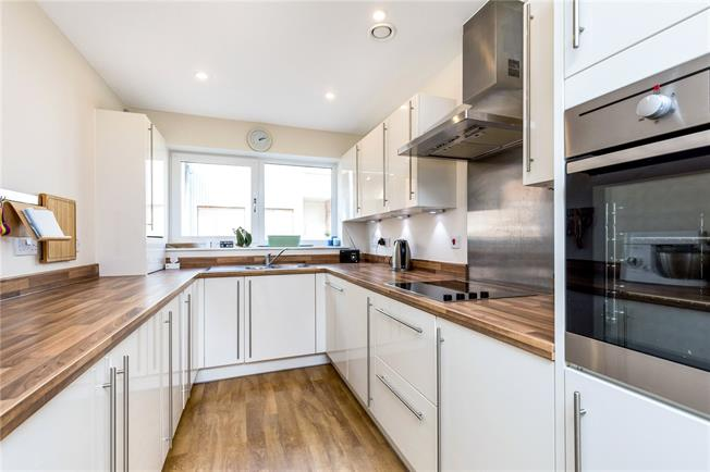 Guide Price £425,000, 3 Bedroom House For Sale in West Sussex, PO19