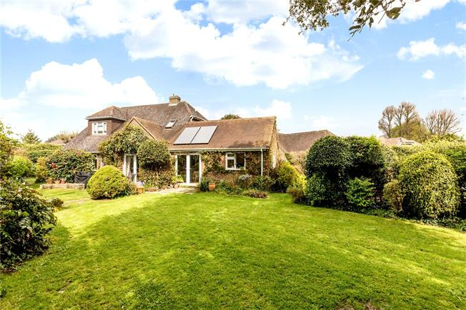 Guide Price £650,000, 5 Bedroom Detached House For Sale in North Mundham, PO20