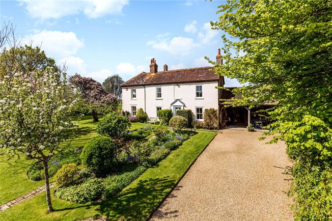 Guide Price £1,150,000, 5 Bedroom Detached House For Sale in Chichester, West Sussex, PO18