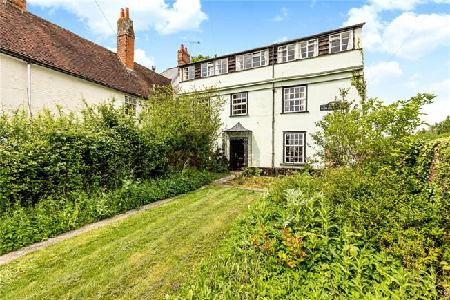 Asking Price £595,000, 10 Bedroom Semi Detached House For Sale in West Sussex, PO19