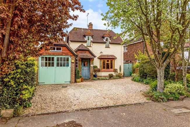 Asking Price £795,000, 3 Bedroom House For Sale in Bosham, PO18