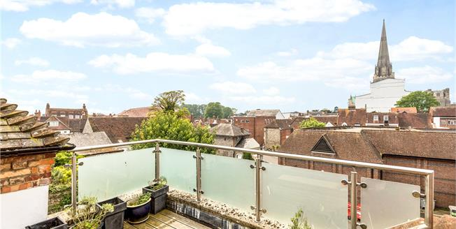 Asking Price £1,200,000, 4 Bedroom House For Sale in Chichester, PO19