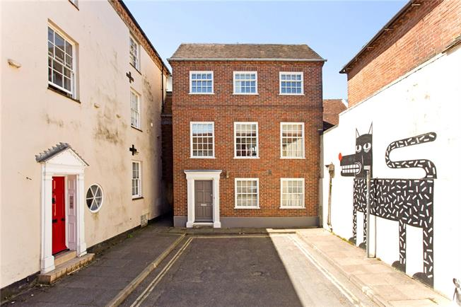 Asking Price £1,200,000, 4 Bedroom House For Sale in West Sussex, PO19