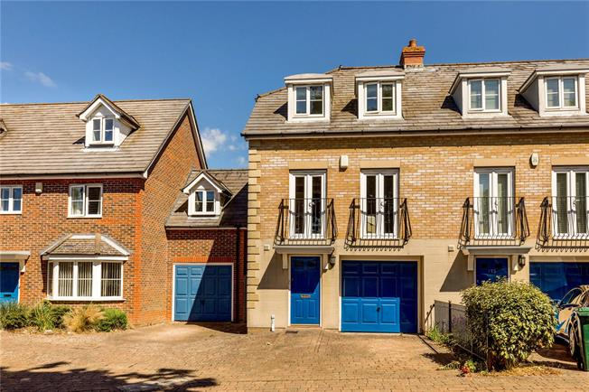 Guide Price £425,000, 3 Bedroom Terraced House For Sale in West Sussex, PO19