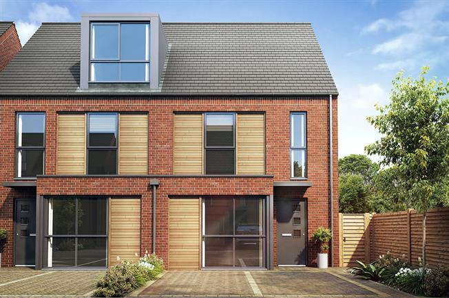 Asking Price £387,950, 3 Bedroom Semi Detached House For Sale in Chichester, PO19