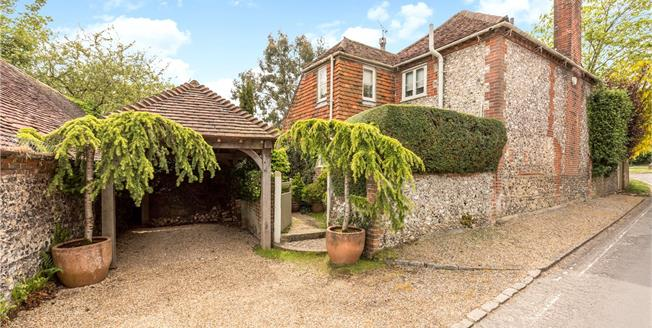 Asking Price £700,000, 3 Bedroom Detached House For Sale in West Sussex, PO18