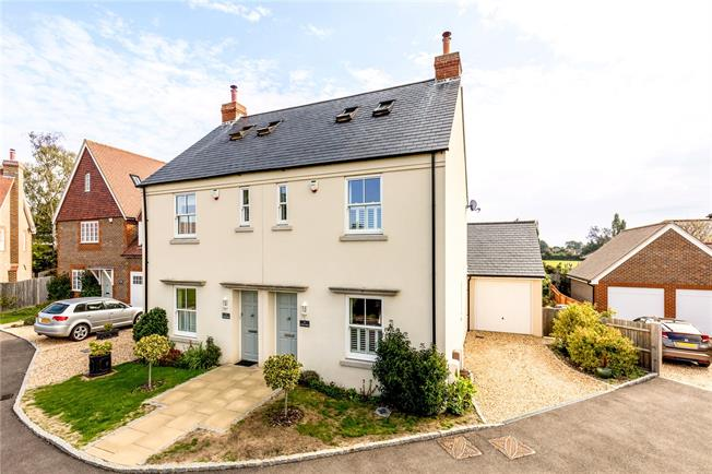 Asking Price £420,000, 3 Bedroom Semi Detached House For Sale in Arundel, BN18