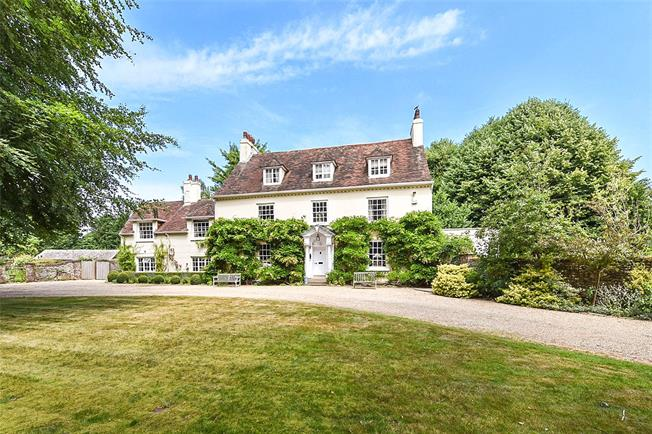 Guide Price £2,950,000, 7 Bedroom Detached House For Sale in Arundel, West Sussex, BN18