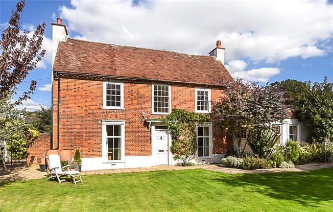 Guide Price £1,500,000, 5 Bedroom Detached House For Sale in Chichester, West Sussex, PO18
