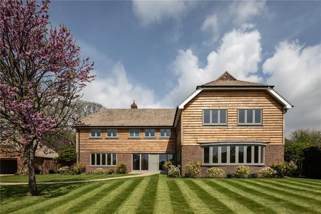 Asking Price £1,600,000, 4 Bedroom Detached House For Sale in Funtington, PO18
