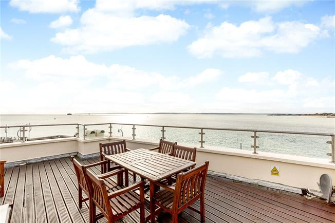 Guide Price £1,375,000, 4 Bedroom End of Terrace House For Sale in Portsmouth, PO1