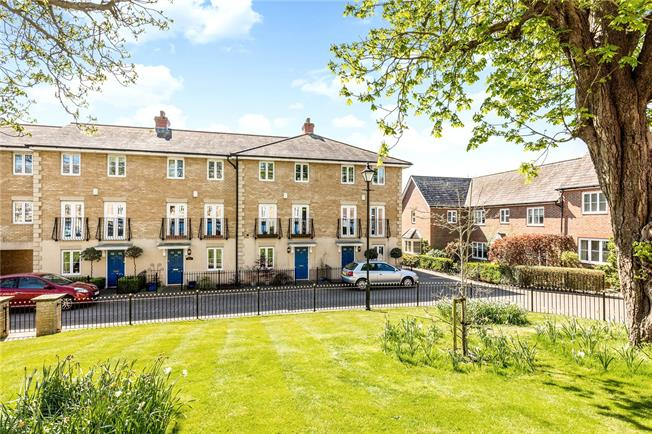 Guide Price £600,000, 4 Bedroom Terraced House For Sale in West Sussex, PO19