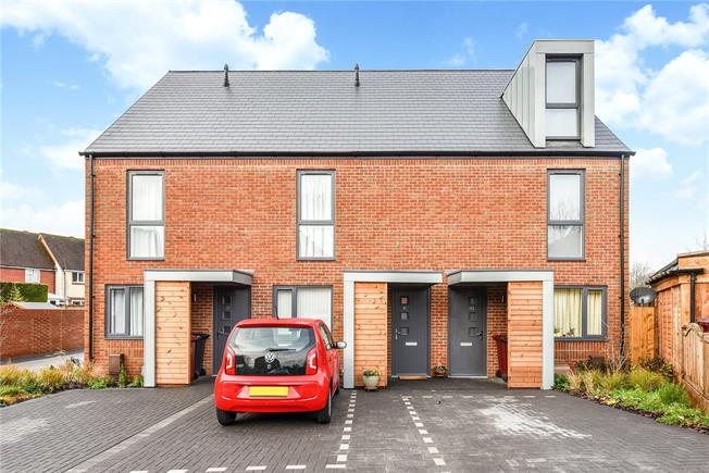 Guide Price £315,000, 2 Bedroom Terraced House For Sale in Chichester, PO19