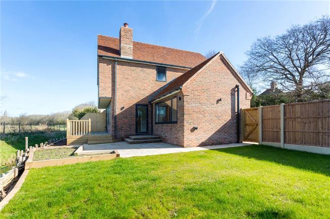 Guide Price £570,000, 4 Bedroom Semi Detached House For Sale in Barnham, PO22