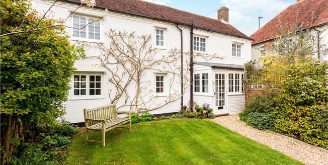 Guide Price £399,950, 2 Bedroom Semi Detached House For Sale in Maudlin, PO18