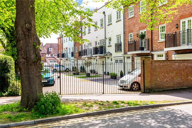 Guide Price £695,000, 3 Bedroom Terraced House For Sale in West Sussex, PO19