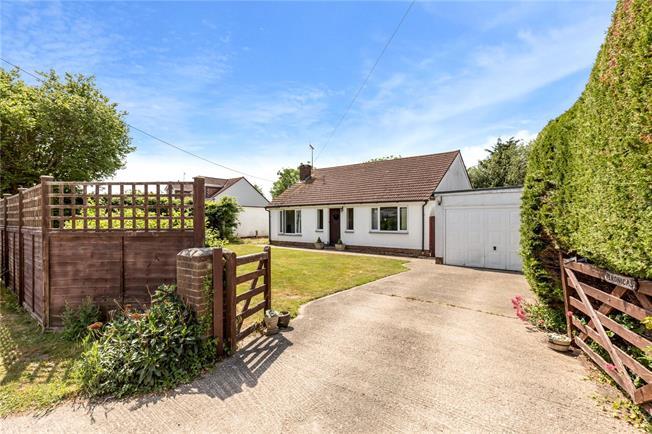 Guide Price £395,000, 3 Bedroom Bungalow For Sale in Bognor Regis, PO22