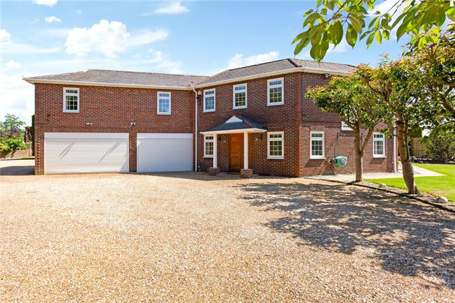 Guide Price £1,300,000, 6 Bedroom Detached House For Sale in Chichester, West Sussex, PO20