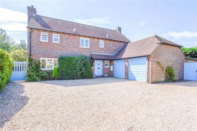 Asking Price £975,000, 4 Bedroom Detached House For Sale in Chichester, West Sussex, PO18
