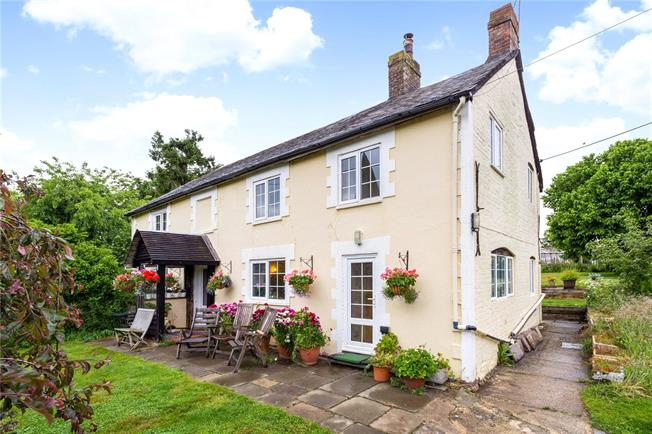 Guide Price £695,000, 4 Bedroom Detached House For Sale in West Sussex, GU28
