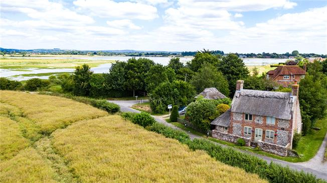 Asking Price £495,000, 2 Bedroom Detached House For Sale in Chichester, West Sussex, PO18
