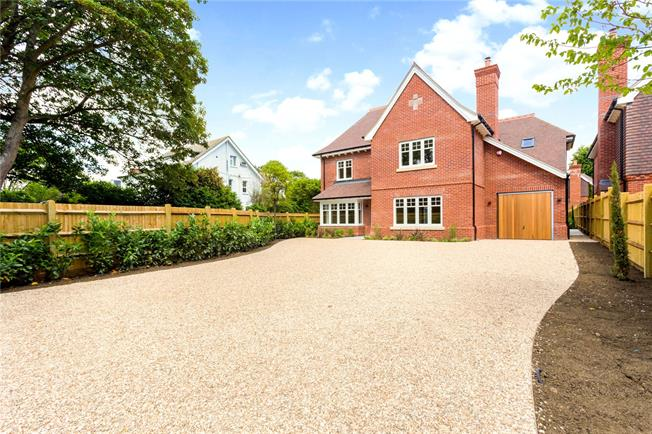 Asking Price £1,425,000, 5 Bedroom Detached House For Sale in West Sussex, PO19