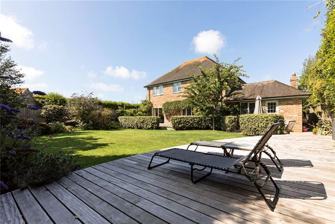 Guide Price £1,000,000, 3 Bedroom Detached House For Sale in Chichester, West Sussex, PO20