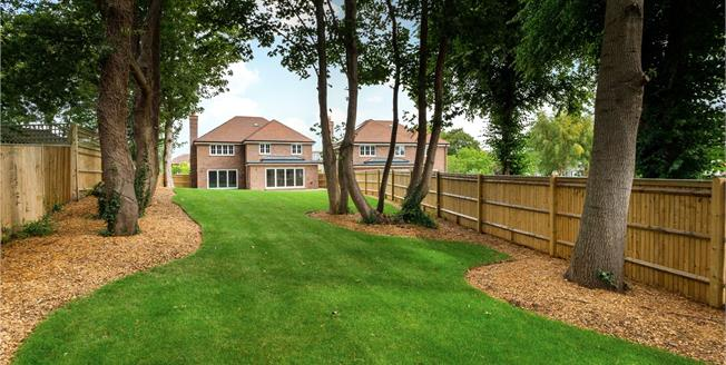 Asking Price £1,295,000, 5 Bedroom Detached House For Sale in Angmering, West Sussex, BN16
