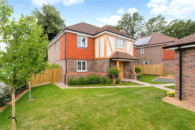 Asking Price £1,245,000, 5 Bedroom Detached House For Sale in Angmering, Littlehampton, BN16
