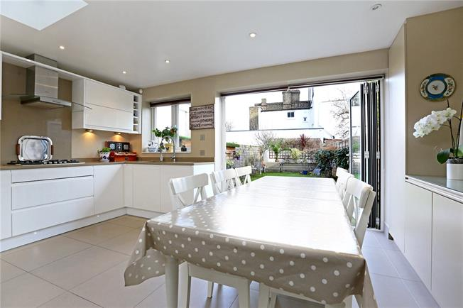 Asking Price £1,167,799, 4 Bedroom Terraced House For Sale in London, W4