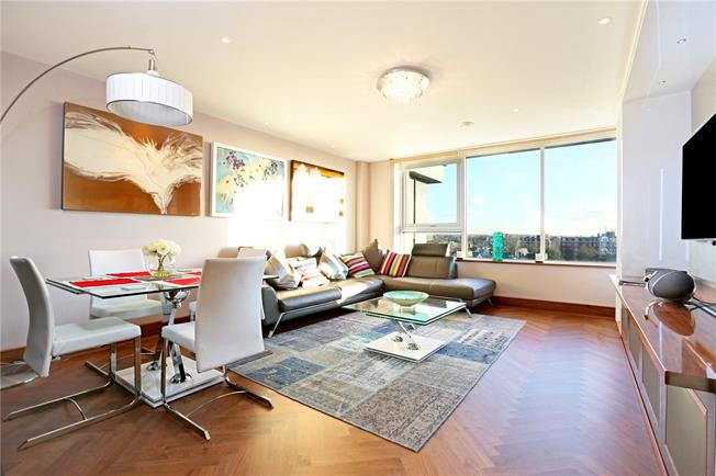 Asking Price £875,000, 2 Bedroom Flat For Sale in London, W4