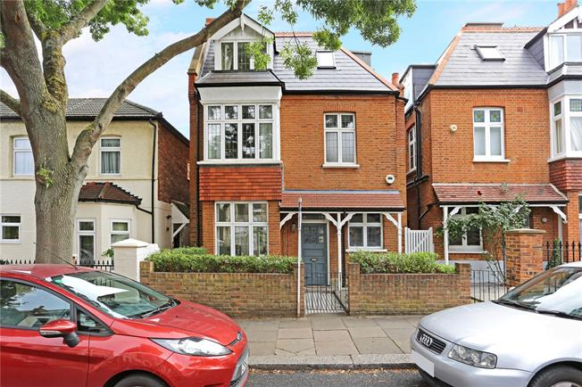 Asking Price £1,499,950, 5 Bedroom Detached House For Sale in London, W4