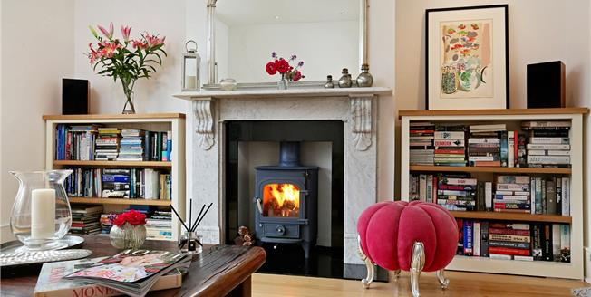 Guide Price £2,475,000, 5 Bedroom Semi Detached House For Sale in London, W4
