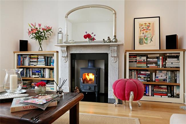 Guide Price £2,500,000, 5 Bedroom Semi Detached House For Sale in London, W4