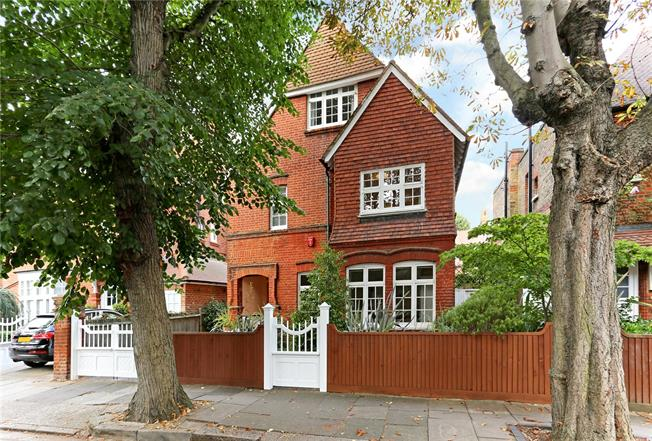 Asking Price £2,995,000, 5 Bedroom Detached House For Sale in London, W4