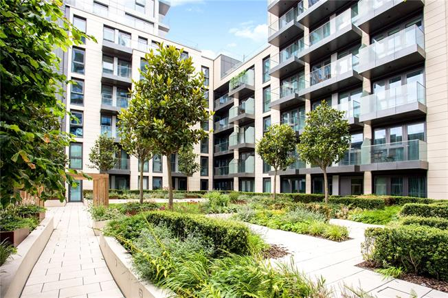 Asking Price £1,499,999, 3 Bedroom Flat For Sale in London, W6