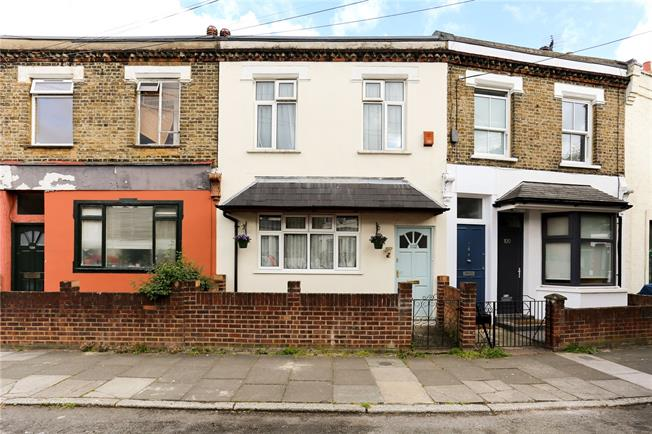 Asking Price £779,000, 3 Bedroom Terraced House For Sale in London, W12
