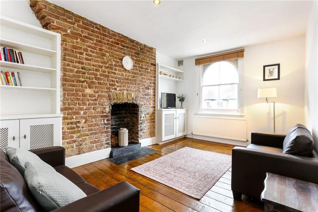 Asking Price £500,000, 2 Bedroom Flat For Sale in London, W6