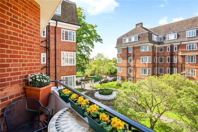 Asking Price £400,000, 1 Bedroom Flat For Sale in London, W4