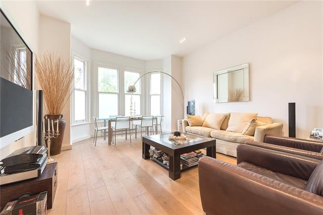 Asking Price £895,000, 2 Bedroom Flat For Sale in London, W4