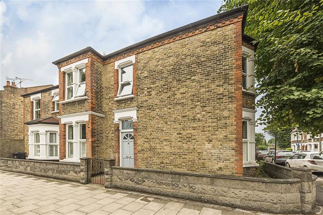 Asking Price £999,995, 3 Bedroom End of Terrace House For Sale in London, W4