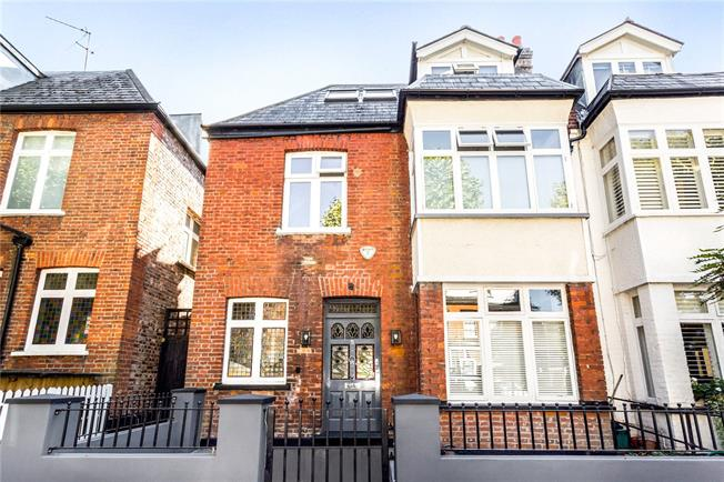 Asking Price £1,395,000, 4 Bedroom House For Sale in London, W4