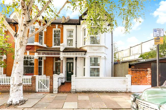 Asking Price £975,000, 3 Bedroom End of Terrace House For Sale in London, W4