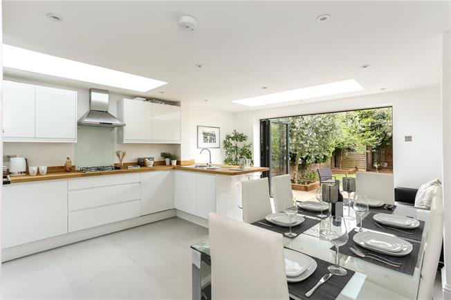 Asking Price £1,599,950, 4 Bedroom Terraced House For Sale in London, W4