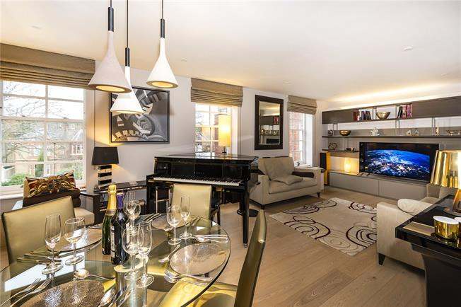 Asking Price £1,050,000, 2 Bedroom Flat For Sale in London, W6