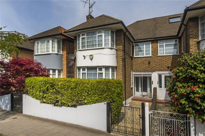 Asking Price £895,000, 4 Bedroom Semi Detached House For Sale in London, W4